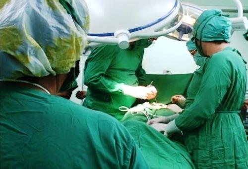 Primera cirugía de metástasis en peritoneo en Cuba