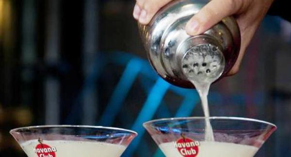 La tradición de la coctelería cubana presente en Semana de la Cultura en Camagüey
