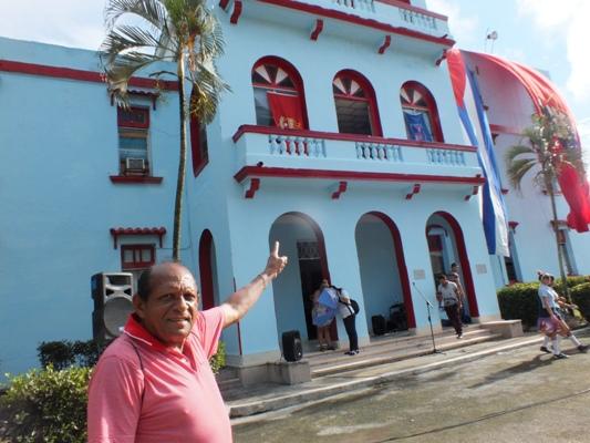 Ramón Hinojosa recuerda que desde ese balcón Fidel le habló al pueblo camagüeyano.