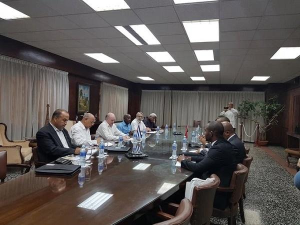 Dialogan autoridades del comercio exterior y la inversión extranjera de Cuba y Angola