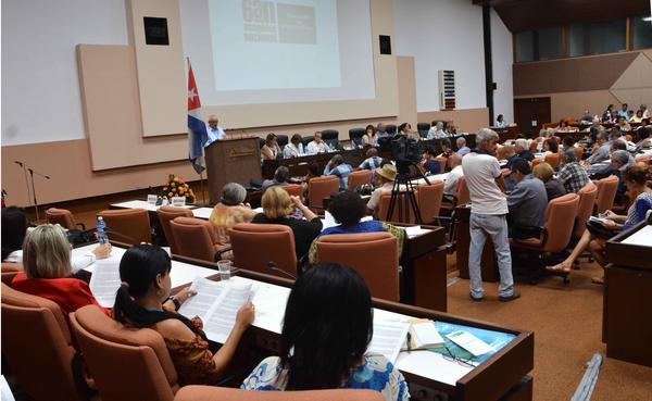 Comunicadores sociales en Cuba alzan sus voces contra política de Trump