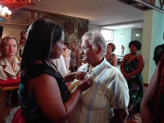 Reconocen a camagüeyanos destacados dentro de los Comités de Defensa de la Revolución