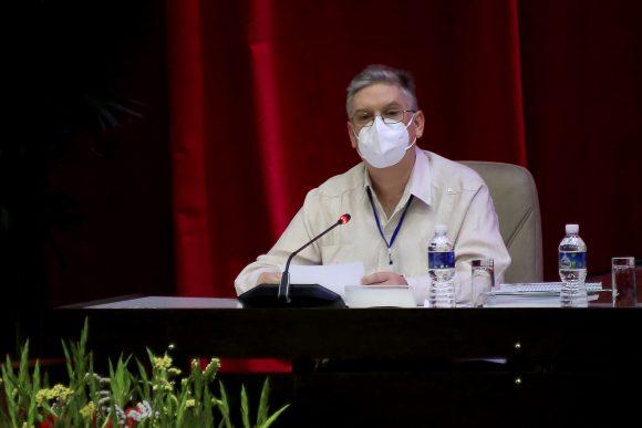 Amplio debate sobre conceptualización del modelo económico y social cubano