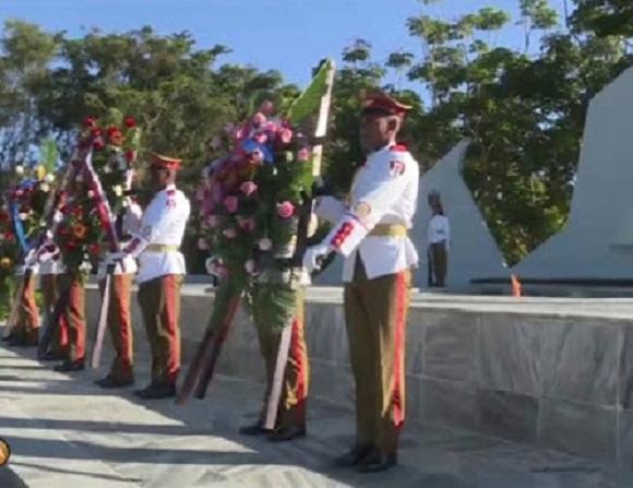 Conmemoran en Cuba aniversario 102 del Ejército Rojo