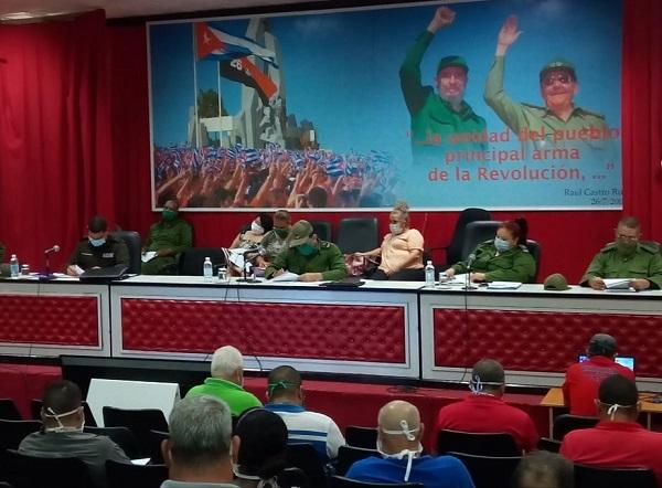 Consejo de Defensa en Camagüey chequea tareas prioritarias en actual contexto epidemiológico