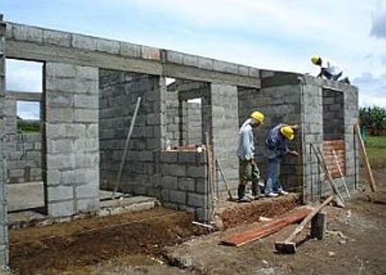 Chequea Ramiro Valdés en Camagüey programa de la vivienda