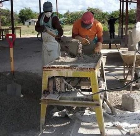 Intensifican en municipio camagüeyano de Céspedes producción local de materiales de construcción
