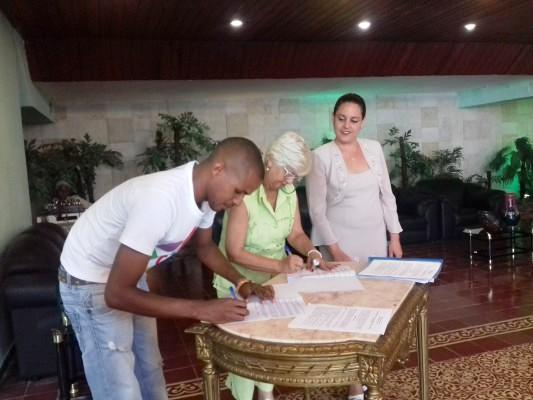 Brigadas Técnicas Juveniles en Camagüey firman convenios de trabajo con entidades y organismos