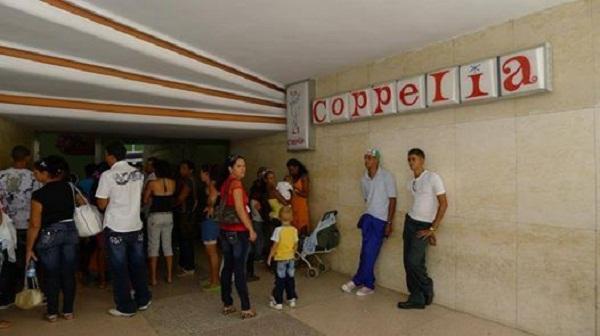 Verano en Camagüey: reabre la heladería Coppelia (+ Audio y Fotos)