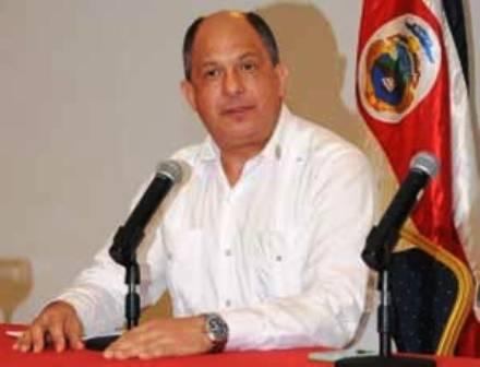 Costa Rica propone solución multinacional en tema migratorio