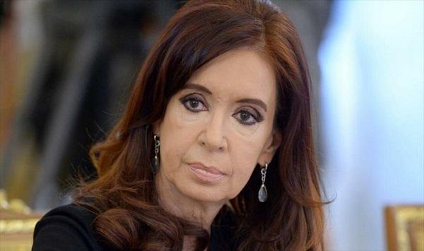 Juez federal pide prisión preventiva para Cristina Fernández