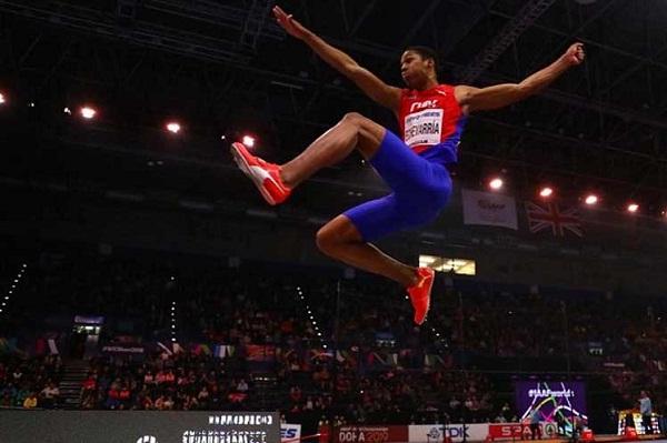 Camagüeyano Echevarría con salto dorado en Birminghan