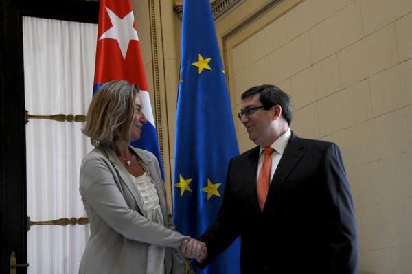 Canciller cubano dialoga con alta representante de UE