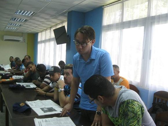 Universitarios camagüeyanos aclaran y aportan ideas al Proyecto de Constitución (+ Audio, Fotos y Post)