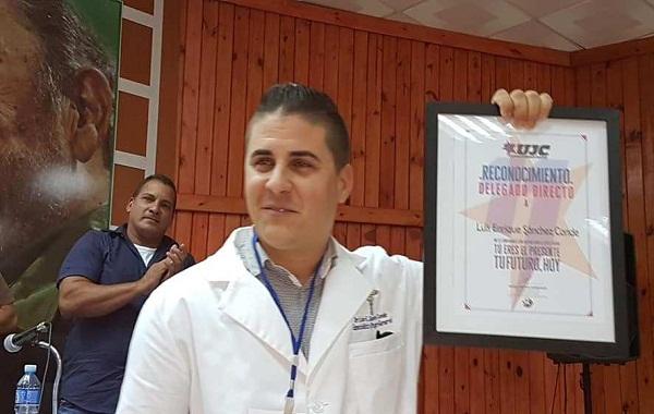 Del salón de Cirugía al Congreso juvenil irá el camagüeyano Luis Enrique Sánchez (+ Audio)