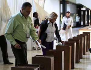 Efectúan votación para elegir Comité Central del Partido Comunista de Cuba (+ Fotos)