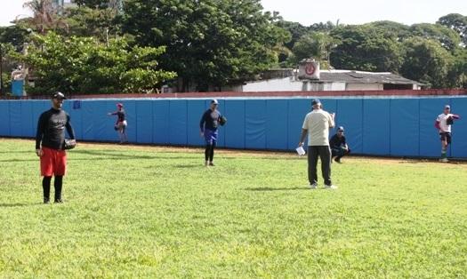 Los Toros camagüeyanos alistan su debut en nuevo Campeonato de Béisbol (+ Audio y Fotos)
