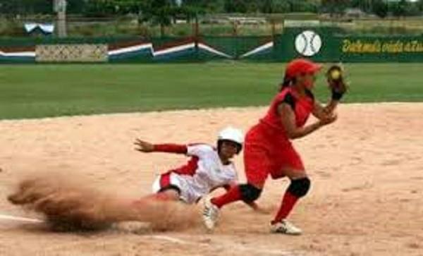 Comprometidas camagüeyanas a mantener corona en Copa de Béisbol