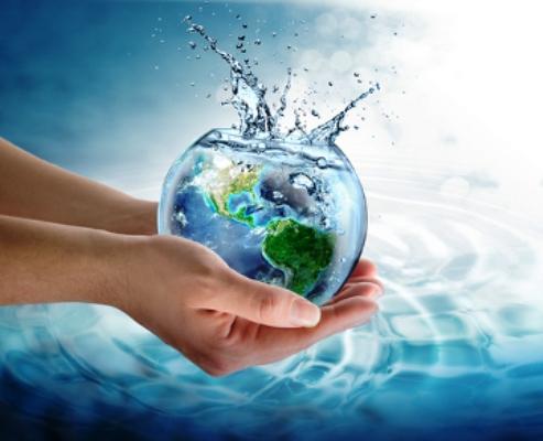Médico cubano explica importancia del agua para los deportistas