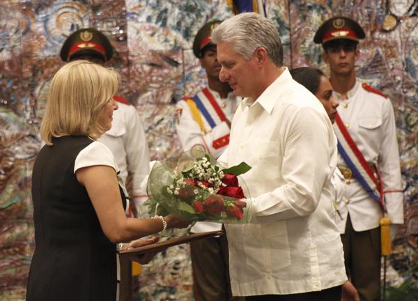 Díaz-Canel preside acto de juramento de embajadores cubanos