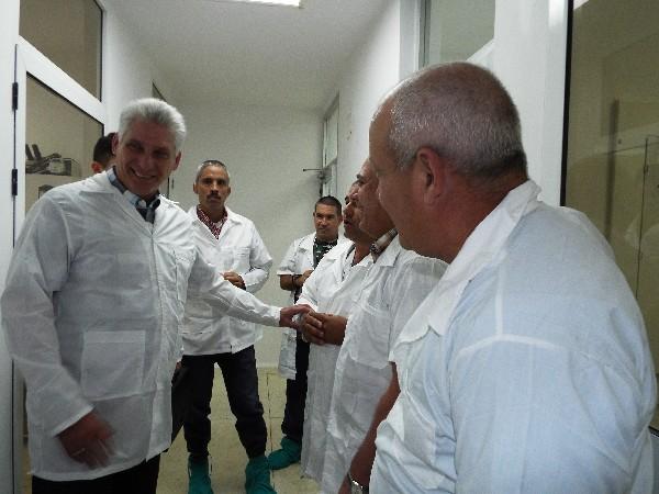 Reconoce Díaz-Canel fortalezas del Centro de Ingeniería Genética y Biotecnología de Camagüey (+ Audio y Fotos)