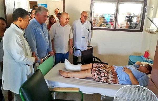 Recorre Díaz-Canel instituciones de la Salud y la Ciencia en la capital cubana (+Tuits)