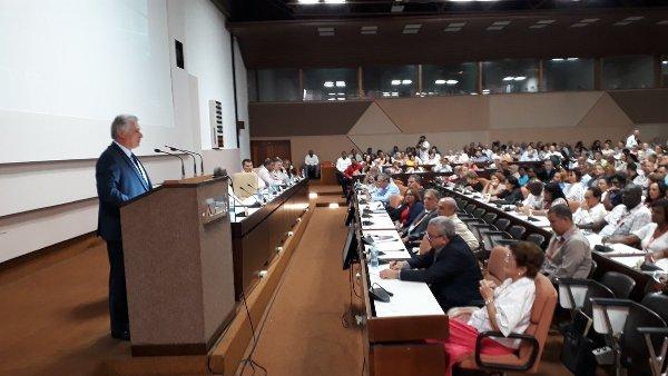 Afirma Díaz-Canel que Cuba insistirá en una economía próspera y sostenible