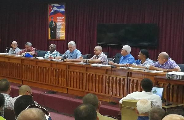 Díaz-Canel: intentamos mejorar la pirámide salarial en Cuba
