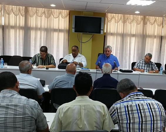 Vivienda e informatización en agenda del Gobierno cubano en visita a Granma