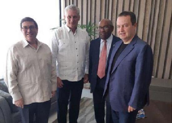 Diario belgradense destaca encuentro de mandatario cubano con Canciller serbio