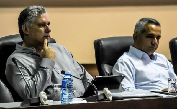 Presente Díaz-Canel en comisiones del Parlamento cubano