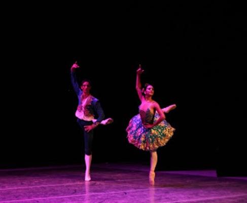 Sesiona evento teórico por los 50 años del Ballet de Camagüey
