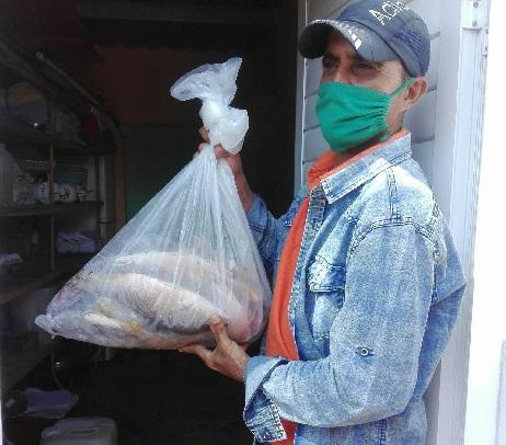 Pescadores santacruceños realizan donativo a instituciones de la Salud