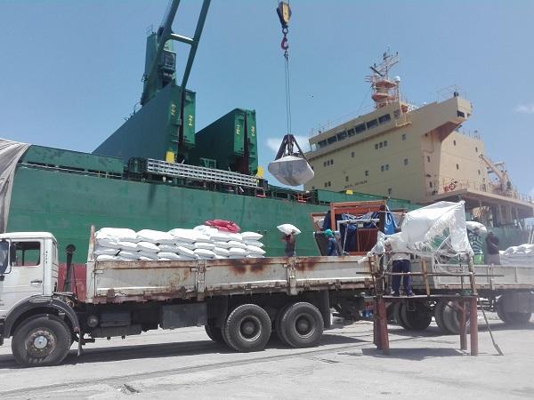 Puerto de Nuevitas: sin descanso para garantizar el arroz en la mesa de varias provincias cubanas (+ Fotos)
