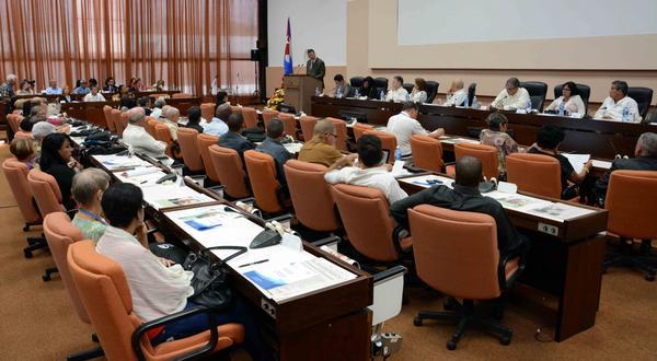 Sesiona en Cuba cita de economistas sobre gestión empresarial