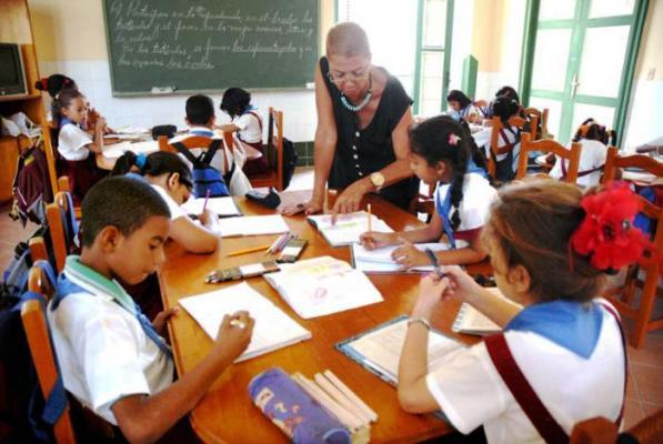 Evalúan en Camagüey proyecciones del nuevo curso escolar