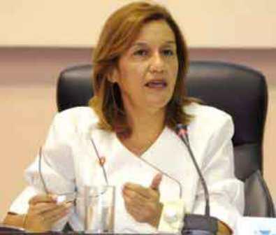 France: La ministre Cubaine de la Science rencontre la propriétaire de Ultramar
