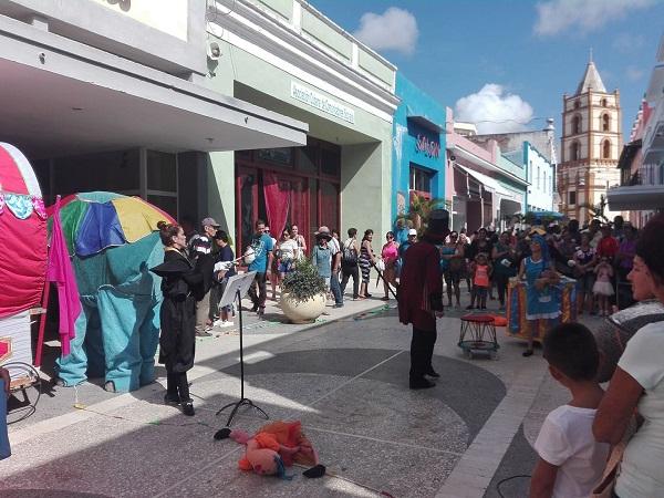 El Teatro sale a las calles en Camagüey para celebrar su día