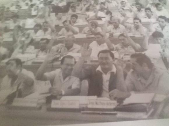 Juan Francisco López: segundo de derecha a izquierda.
