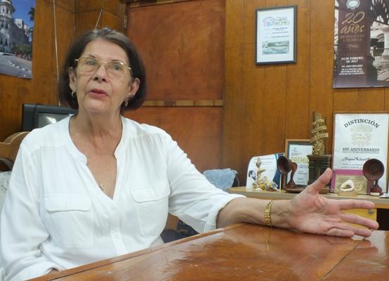 Con Elinor Pérez, si de hablar se trata…