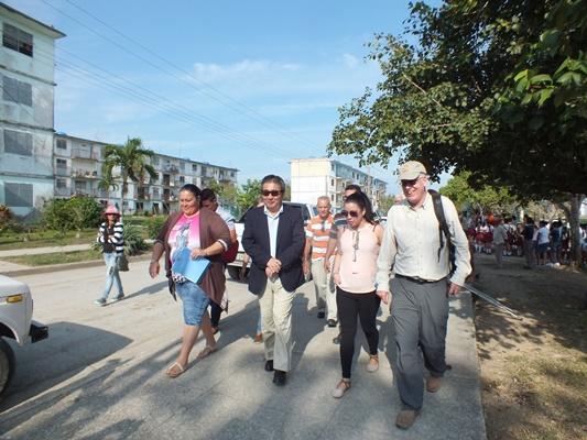 Embajador japonés en Cuba visita comunidad ganadera del Camagüey