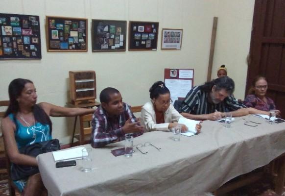 Reflexiona Abel Prieto en Camagüey sobre necesidad de aprehender con criticidad productos mediáticos