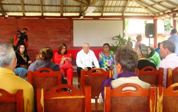 Intercambian líderes religiosos con autoridades del Partido y el Gobierno en Camagüey