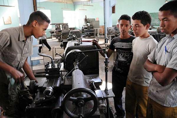 La Enseñanza Técnica y Profesional en Camagüey forma maestros para sus aulas