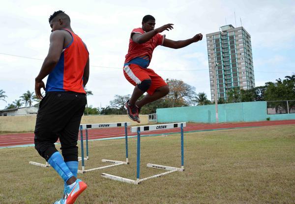 Mena Sprinter on the track in Camagüey