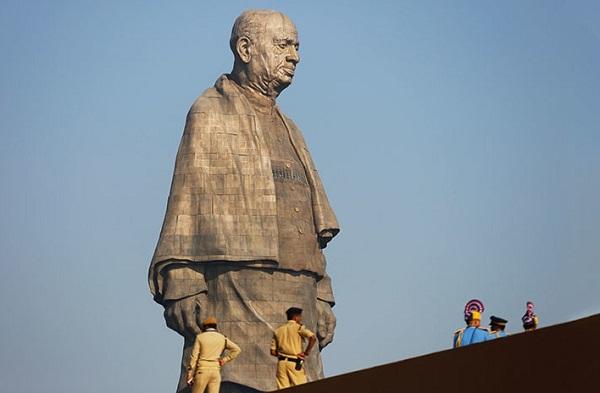 La India exhibe estatua más alta del mundo