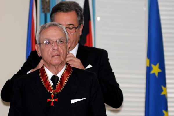 Historiador Eusebio Leal recibe Cruz Federal al Mérito, de la República alemana