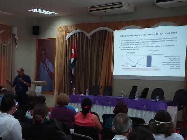 Evaluarán en hospitales camagüeyanos gestión del ciclo de vida de sus edificaciones