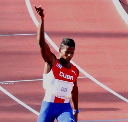 Velocista cubano Leinier Savón animó la pista paralímpica de Río 2016