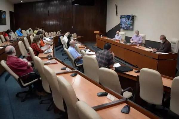 La Habana, Guantánamo y Santiago marcan el curso de la epidemia en Cuba